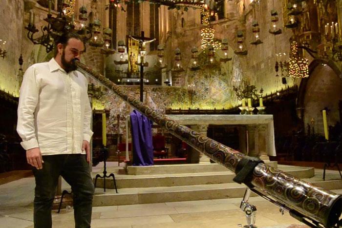 Hernán Livolsi Didgeridoo Teacher